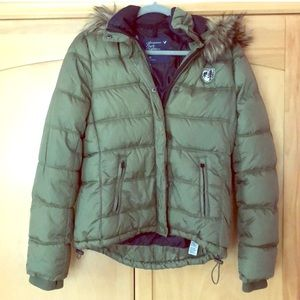 American Eagle Outfitters puffer jacket